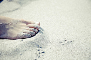 6 Reasons To Go Barefoot